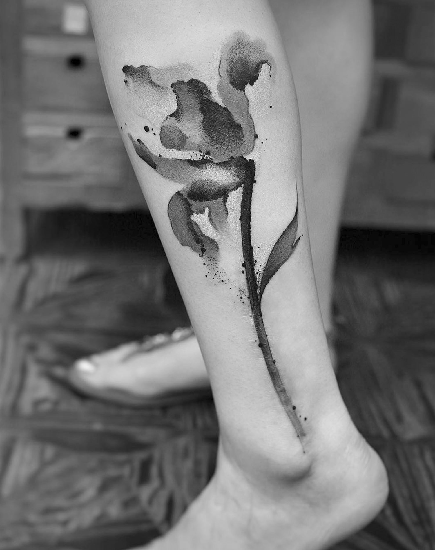 leg tattoo, flower, painterly