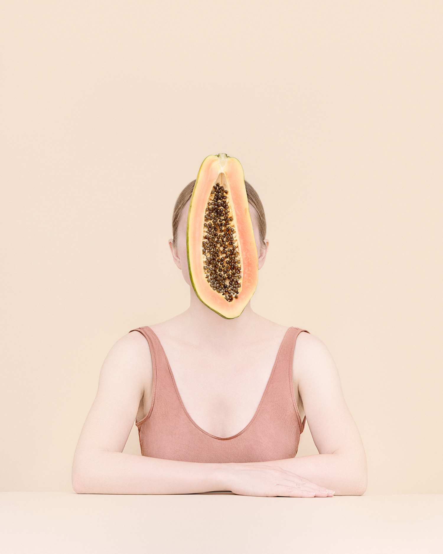 Kristina Varaksina - Anonymous - papaya