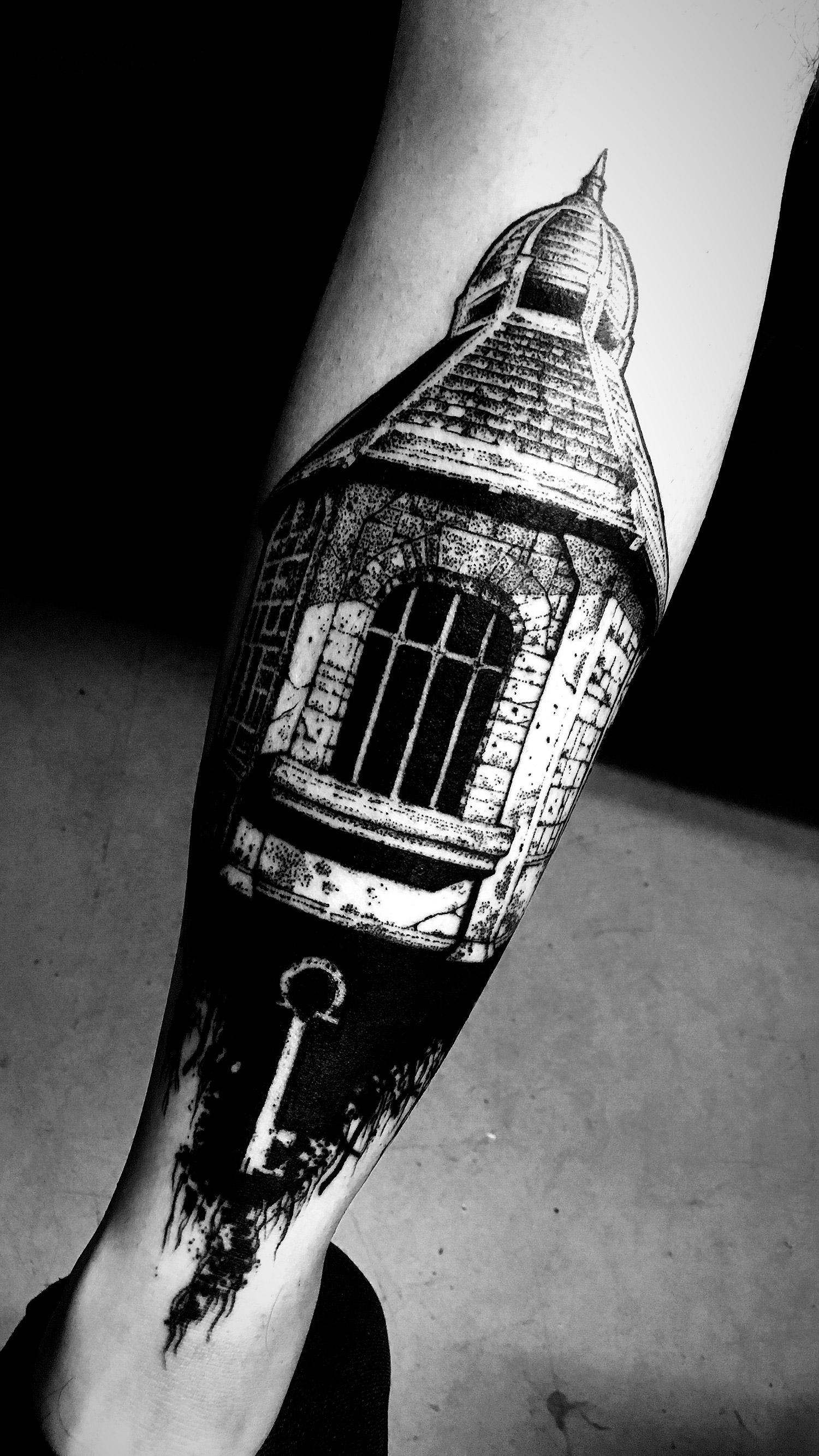 El Nigro - old architecture tattoo key