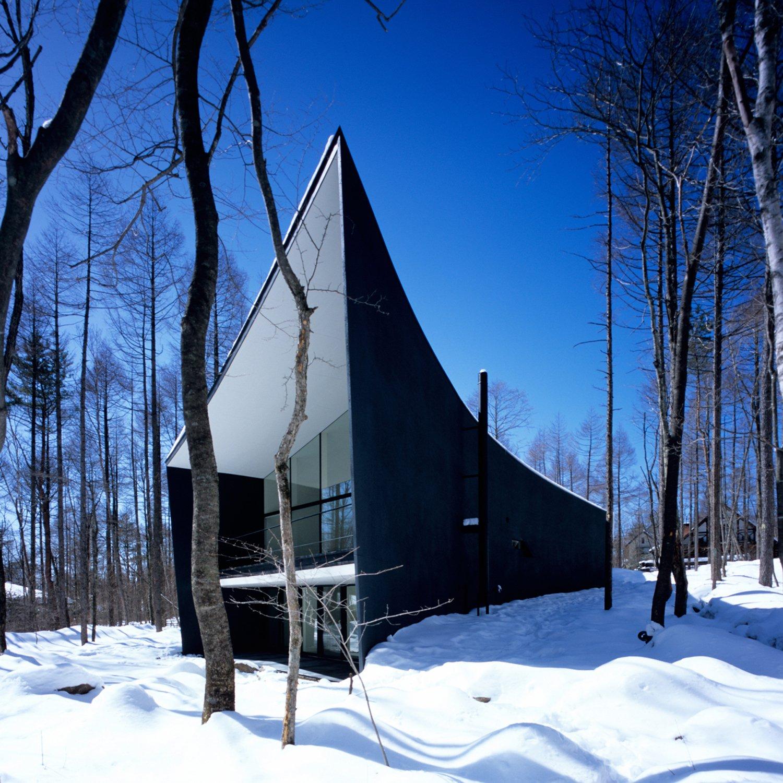 Gallery in Kiyosato Villa with Exhibition Space by Satoshi Okada architects