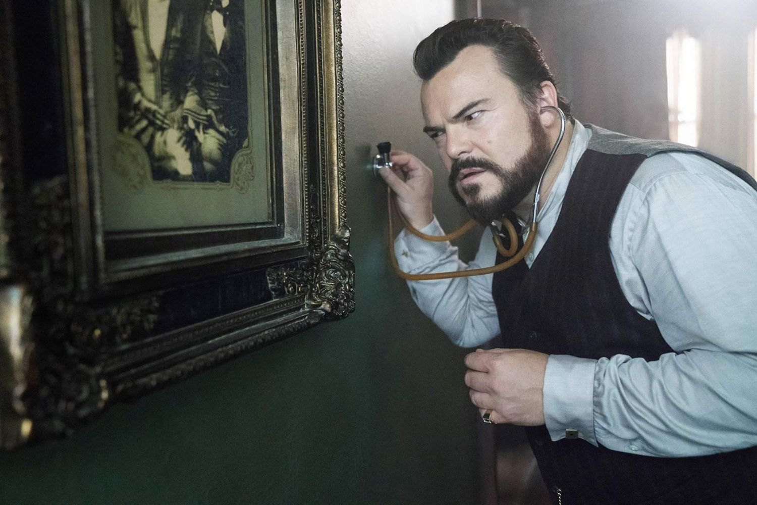 jack black in The House With a Clock in Its Walls