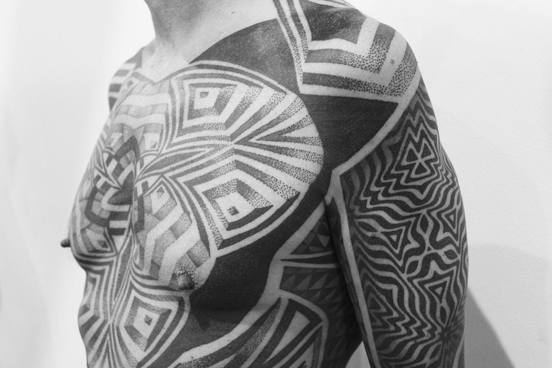 chest, blackwork tattoo, london tattoo convention