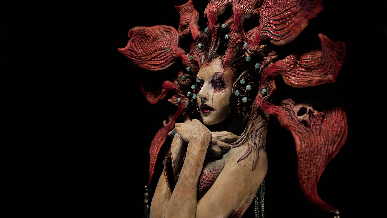 Virginie Ropars - ACANTHOPHIS doll sculpture