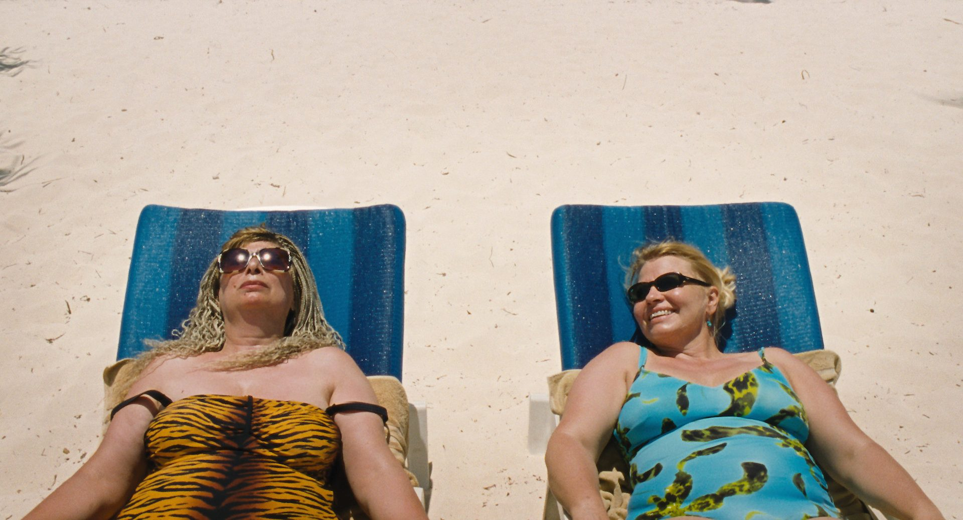 ladies suntanning in Paradise: Love