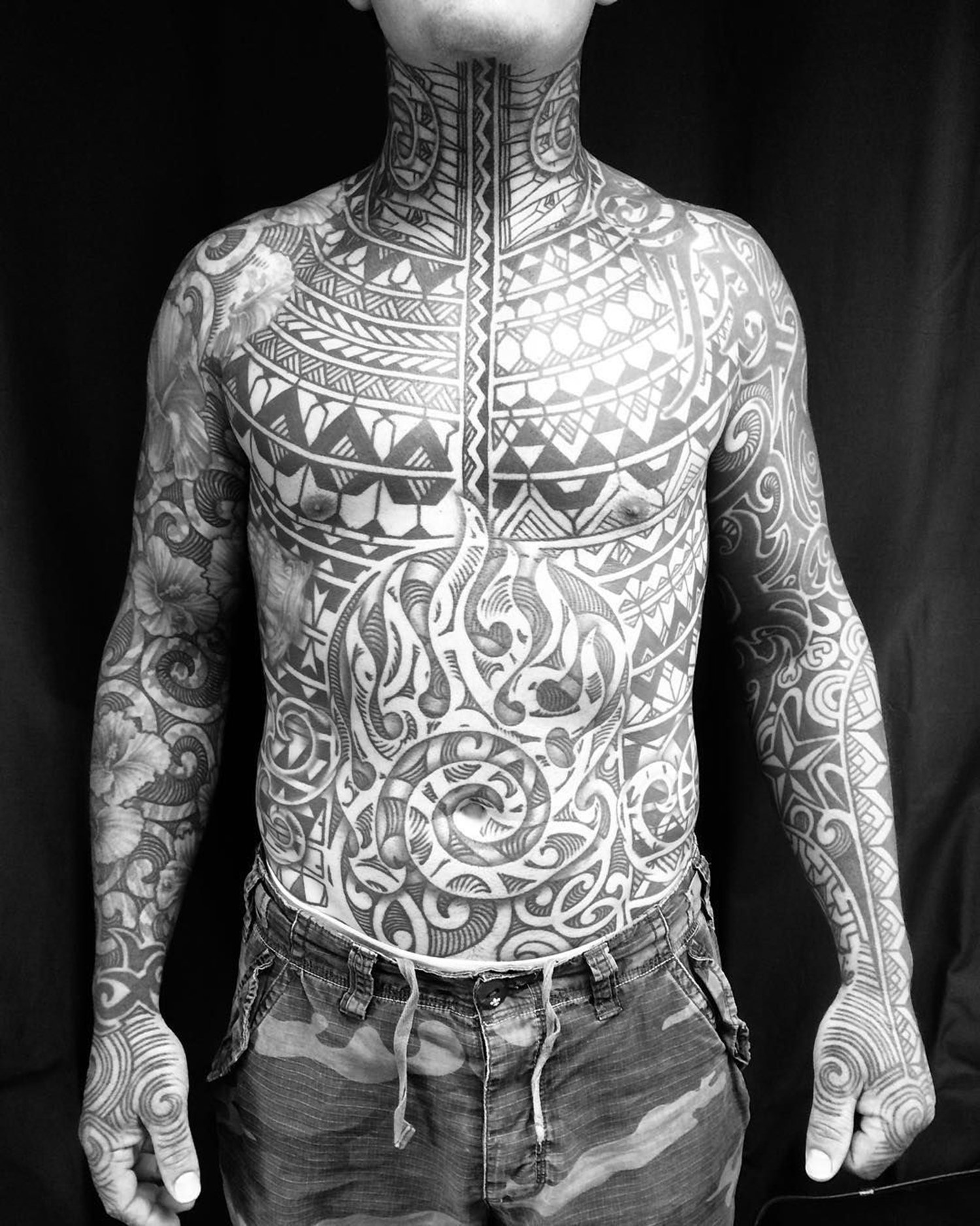 bodysuit blackwork, neotribal