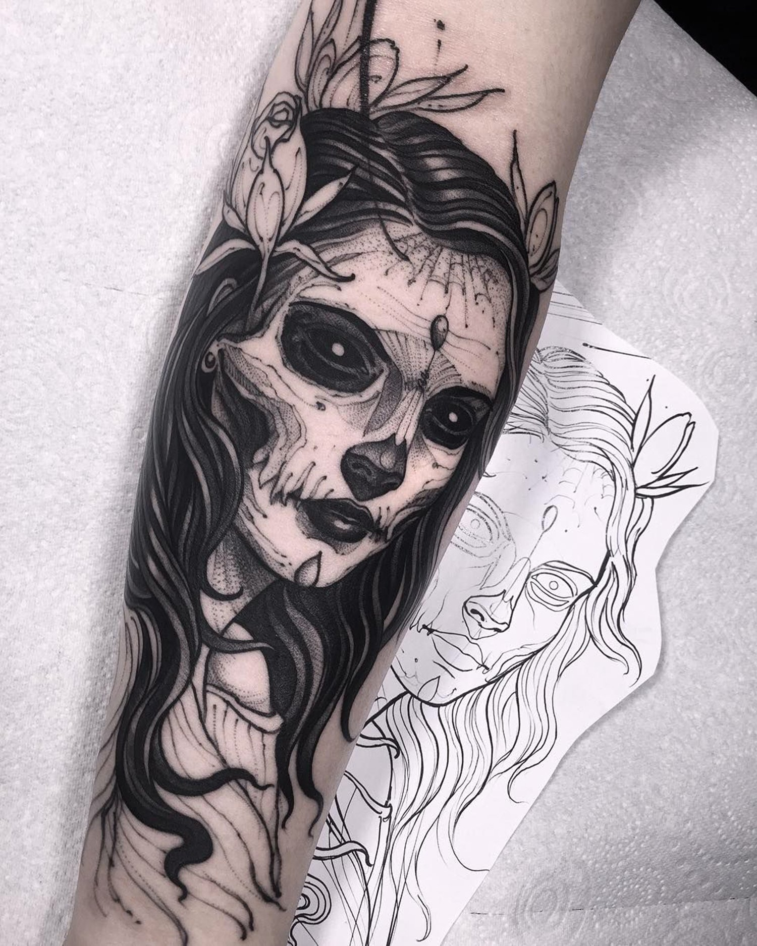 day of the dead girl tattoo, blackwork, sketch style