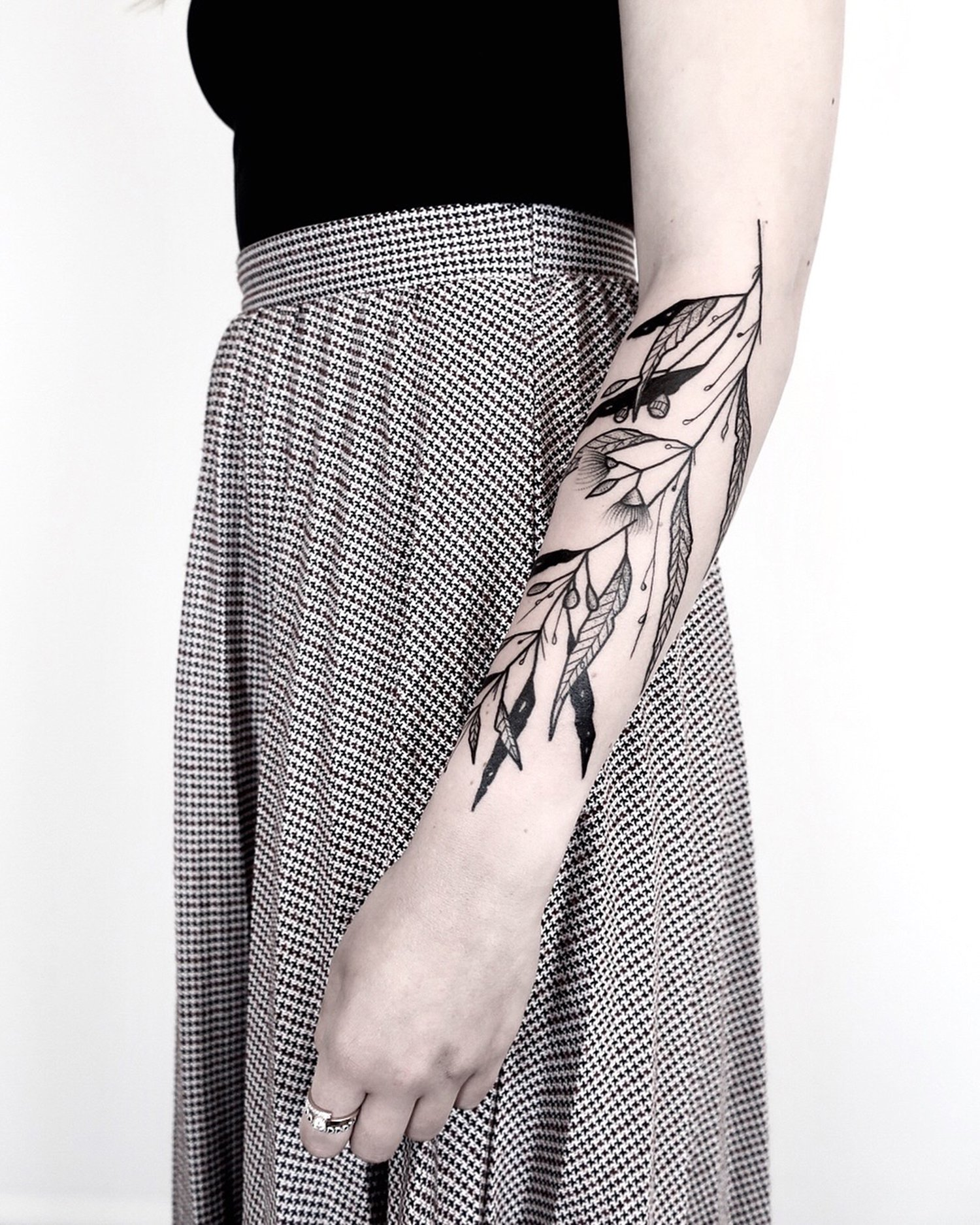 floral, plants, blackwork tattoo