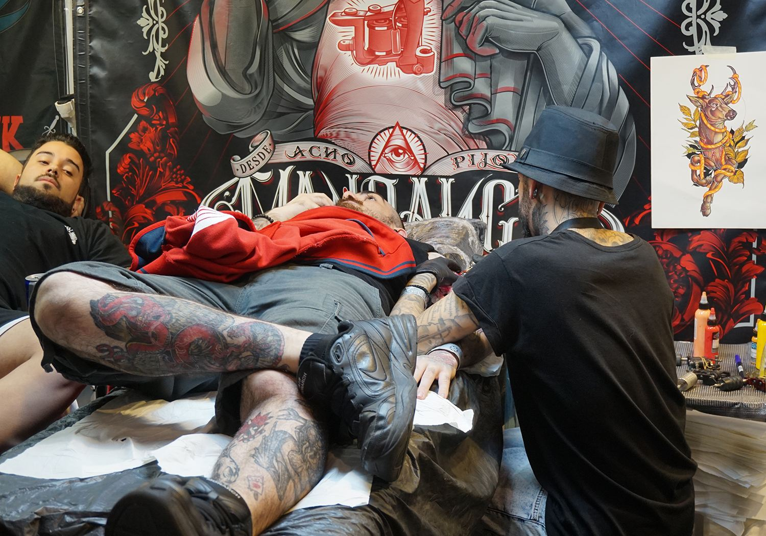 leo barrachina at tattoo convention