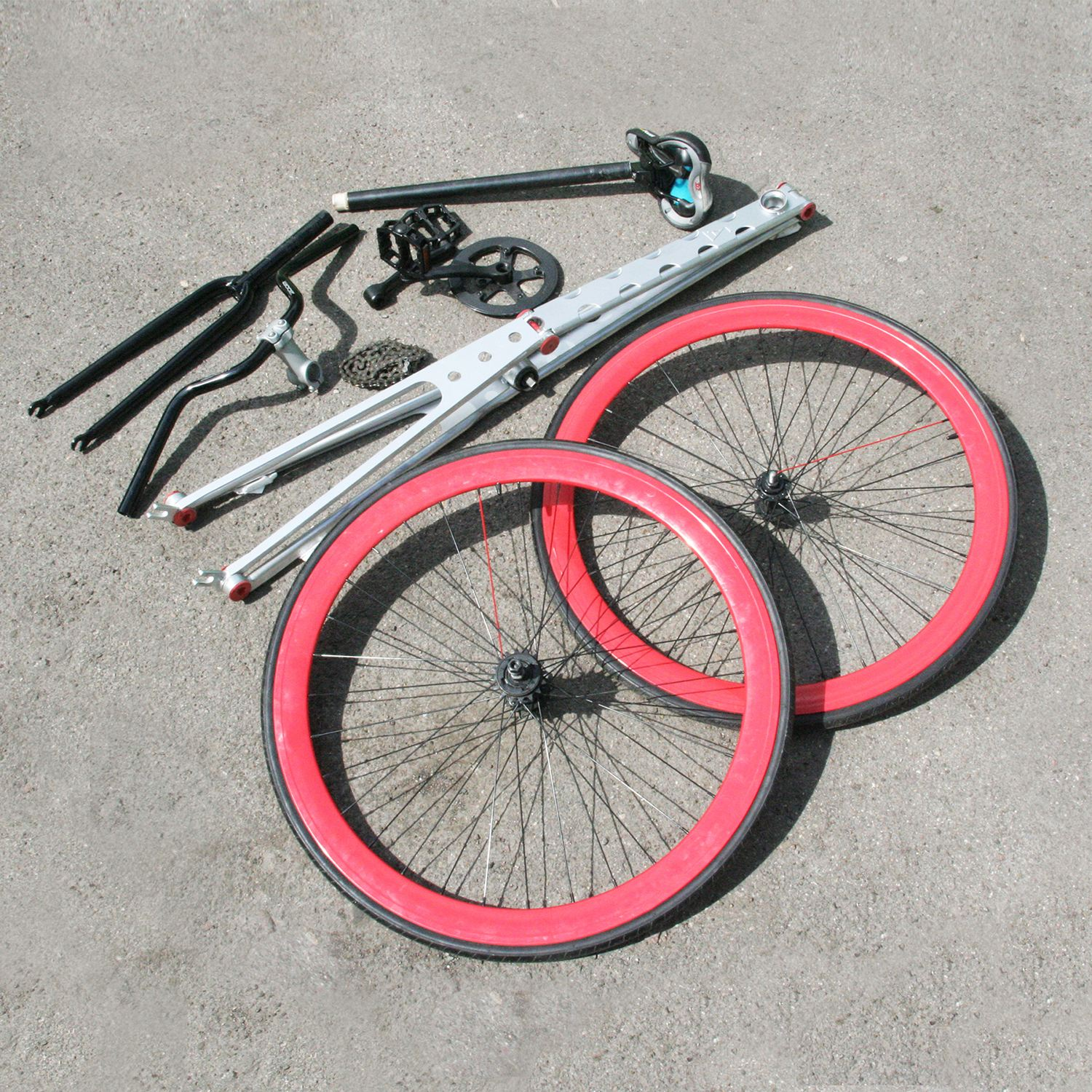 Atlos Folding Bicycle by Valeria Romanova