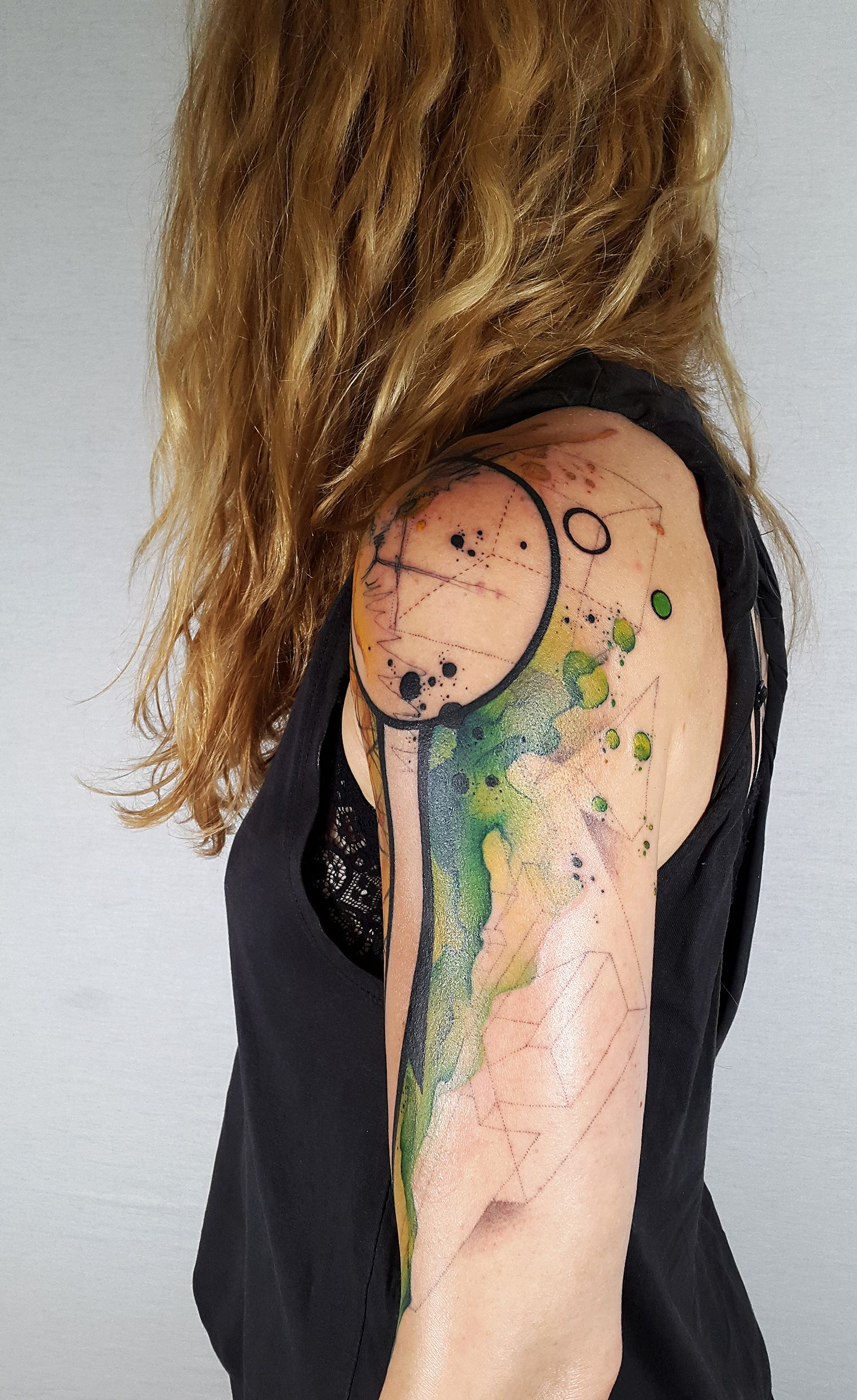 watercolor tattoo, abstract circles on shoulder