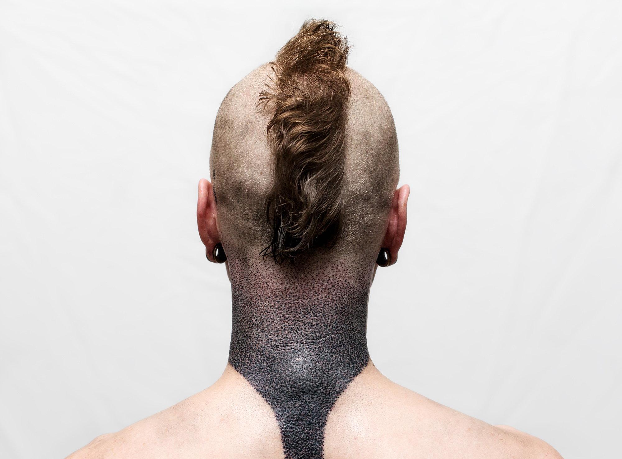 dotwork, chris neck, blackwork minimalist