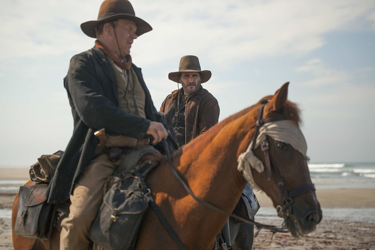 jopaquin phoenix on horse, the sisters brothers