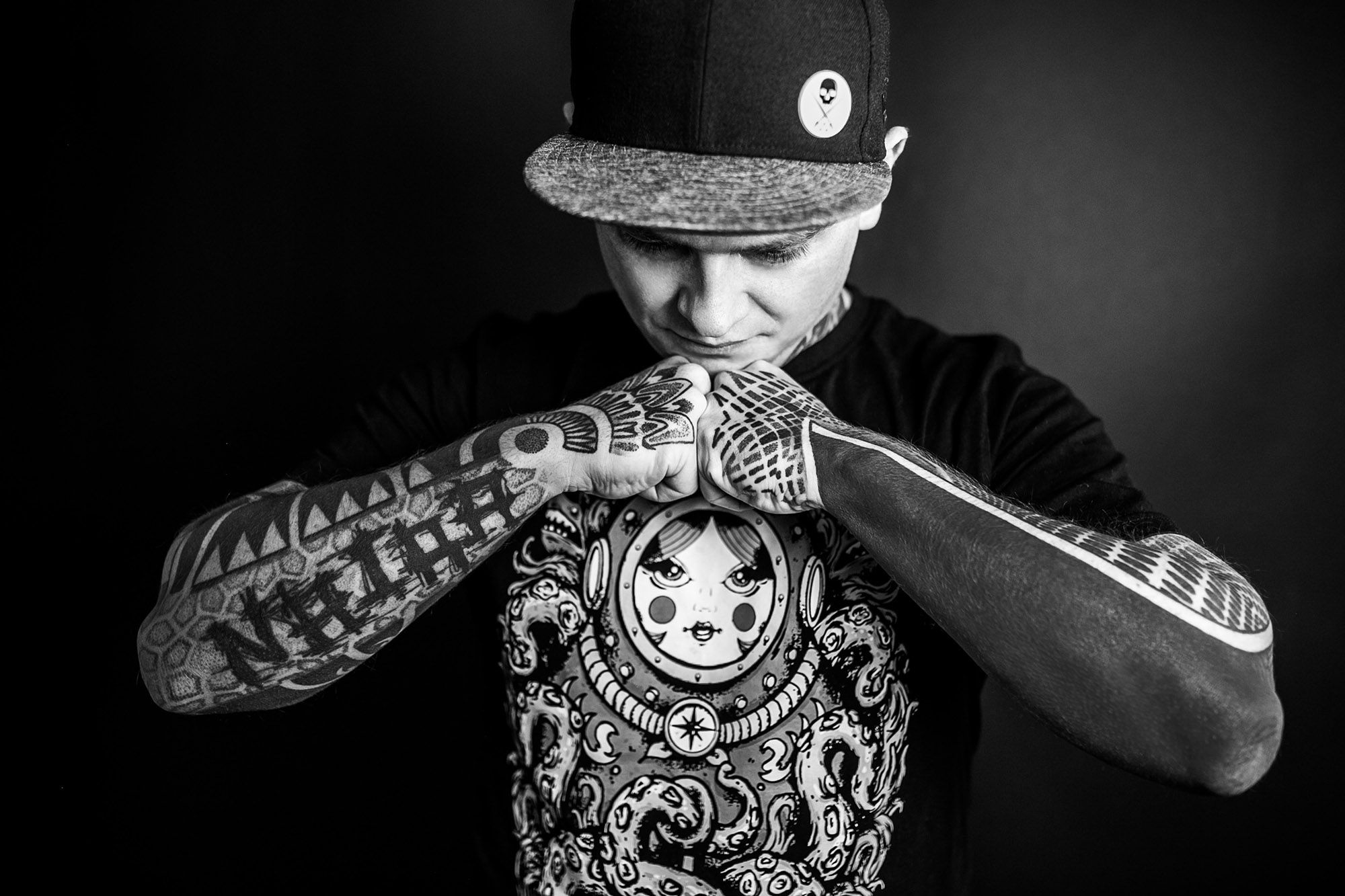 tattooist ilya cascad, pictured