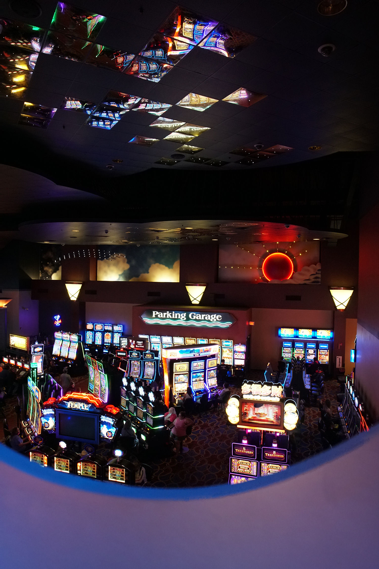 inside the feather falls casino