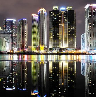 Breathtaking Cityscape Reflections