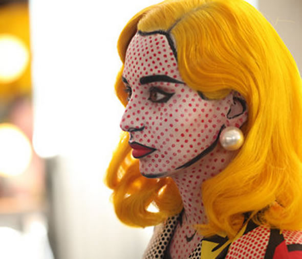 The Real life Lichtenstein-Comic-Girl