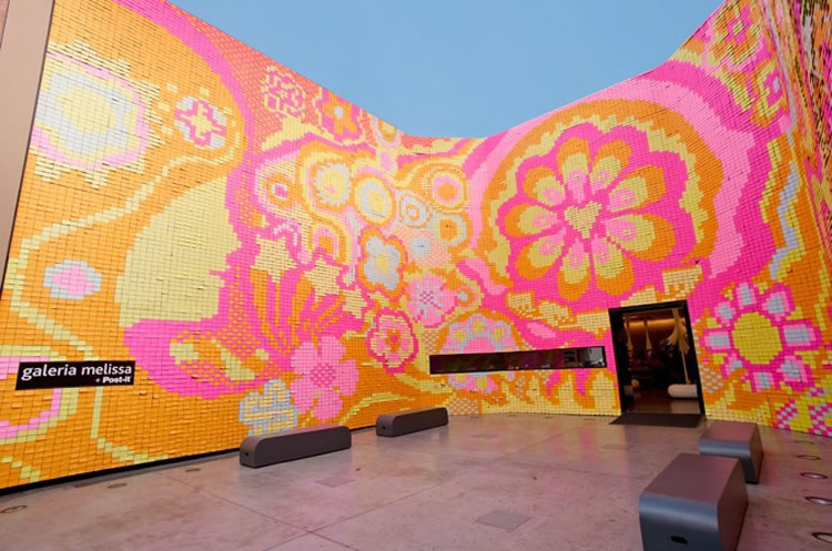 "350,000 Post-it Notes to Express the ""Power of Love"""