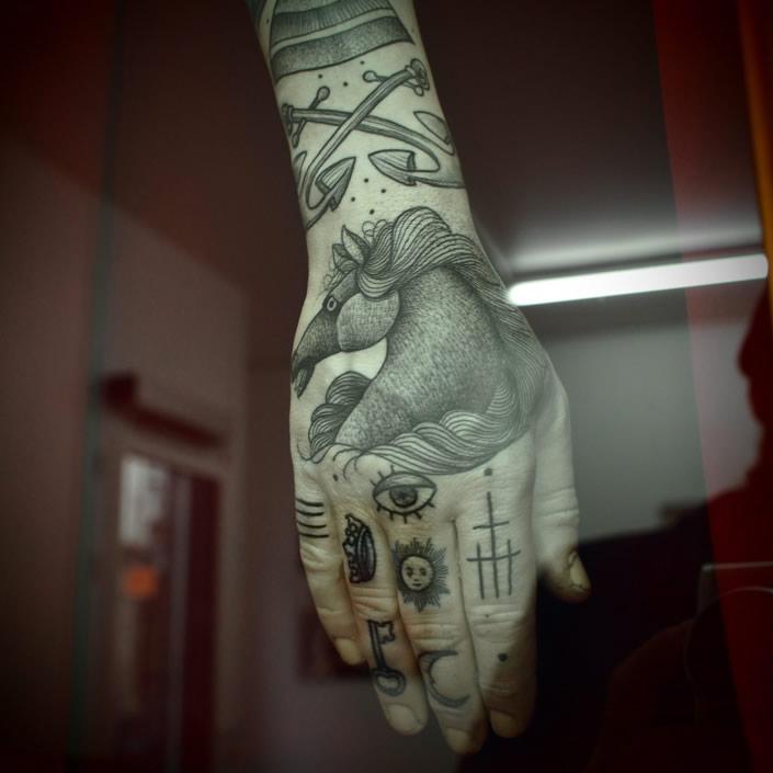 guy_tattoo_01